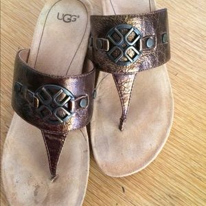 UGG Women's Brown Brielle Sandals size 8